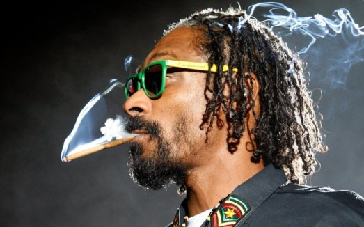 snoop dog smoking