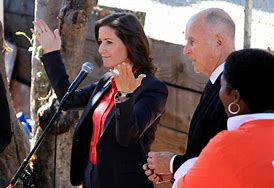 Mayor schaaf thumbs up
